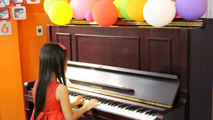 Cho Bé Học Đàn Piano – Nên Bắt Đầu Từ Đâu?