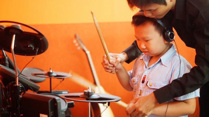 3 yếu tố tạo môi trường âm nhạc hoàn hảo cho trẻ