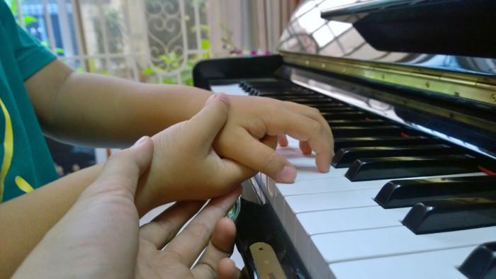 7 bước cơ bản nhập môn Học đàn Piano cho trẻ