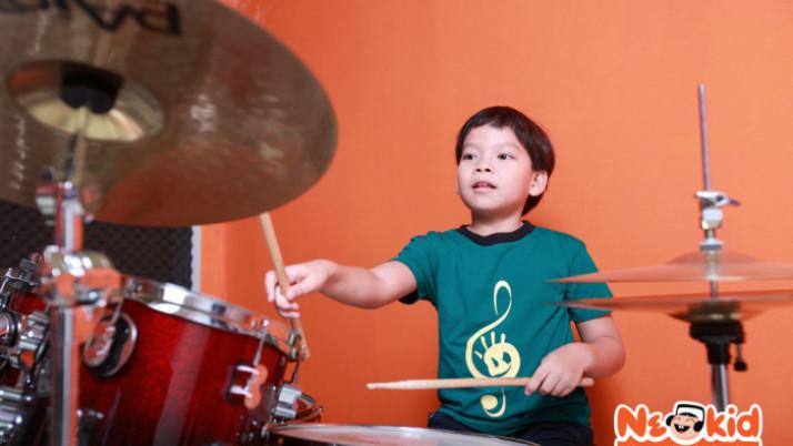 10 Lợi ích của việc học trống cho trẻ