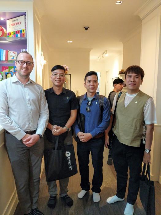 Thầy Phạm Kỳ Anh. Thầy Kim Long, Thầy Minh Tiến cùng Ông Ryan Lewis - Regional Consultant of ABRSM tại Kuala Lumpur, Malaysia